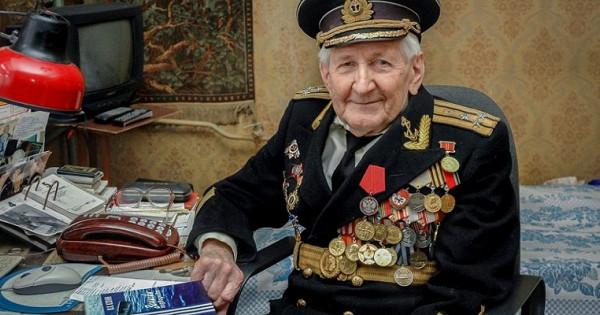 Уходят моряки: ВТамбове прощаются сфронтовиком Юлием Ксюниным