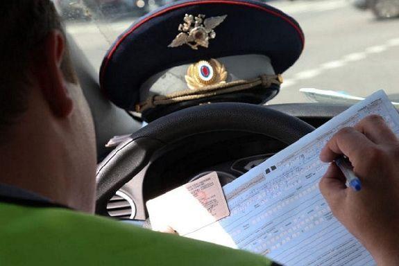 В Рассказовском районе 21-летний водитель пытался дать взятку полицейскому