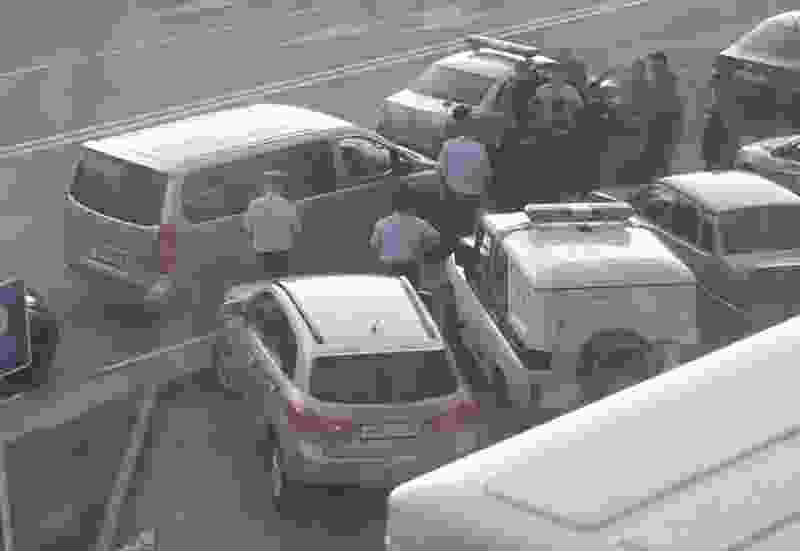 В Тамбове двое иностранцев вынесли из семейного «Магнита» несколько бутылок дорогого виски, но попали на камеры