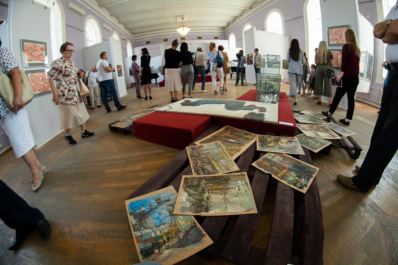 В Тамбове открылась масштабная выставка промышленных пейзажей