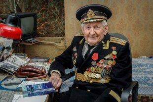 ВТамбове простились со105-летним моряком-подводником Юлием Ксюниным