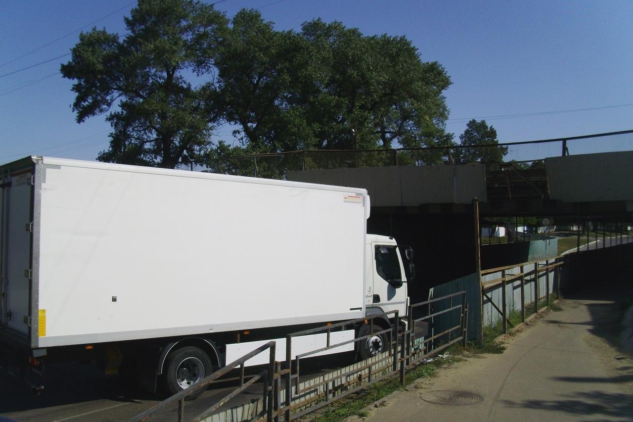 В Тамбове второй раз за неделю протаранили жд мост на Гастелло