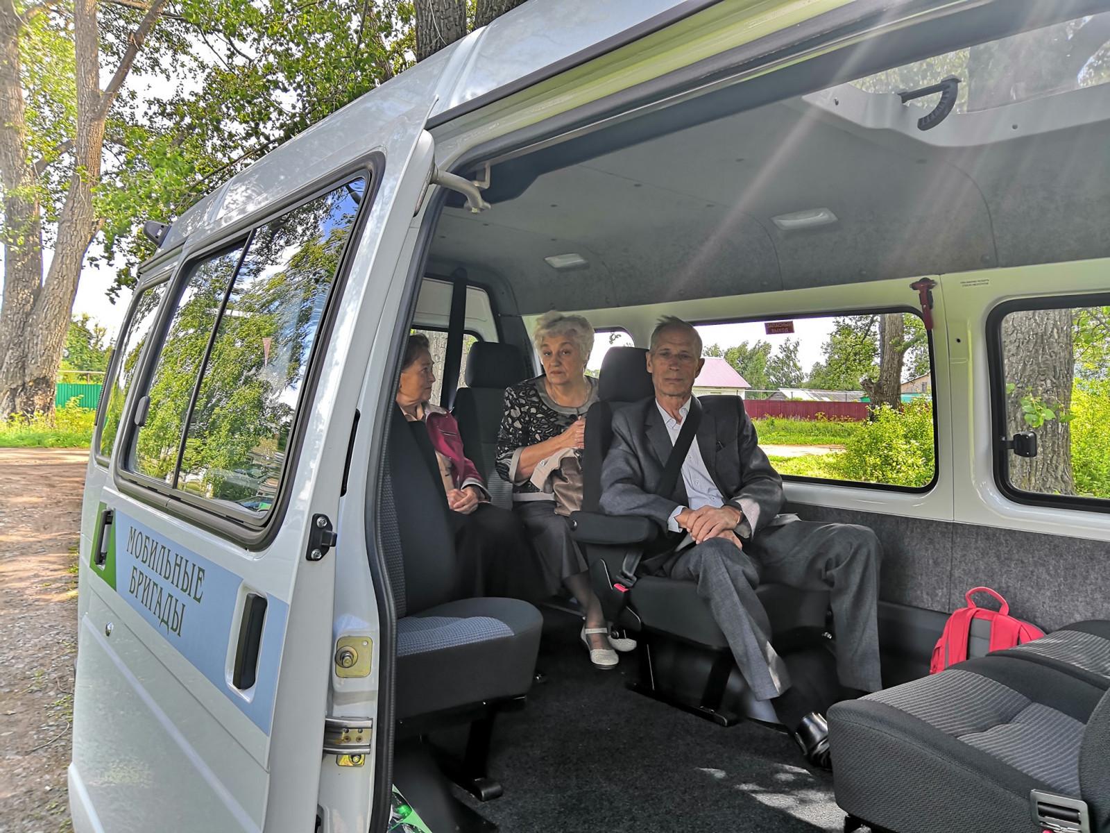 В Тамбовской области добраться до поликлиник пожилым людям помогают мобильные бригады