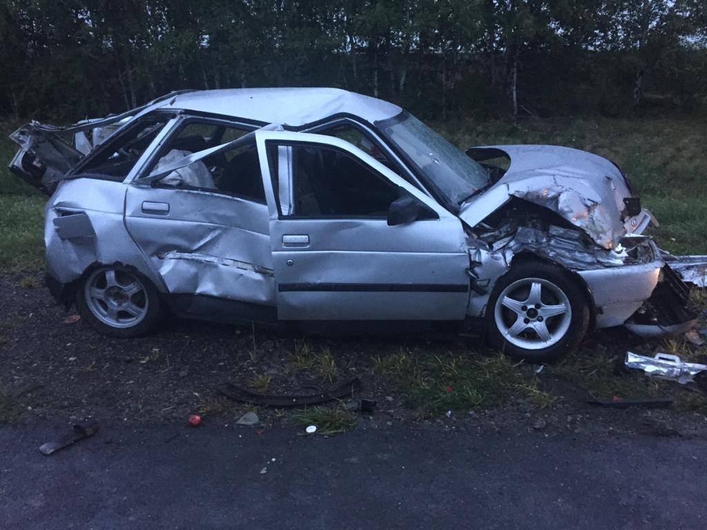 В Тамбовской области грузовик спровоцировал аварию с автофургоном и двумя легковушками