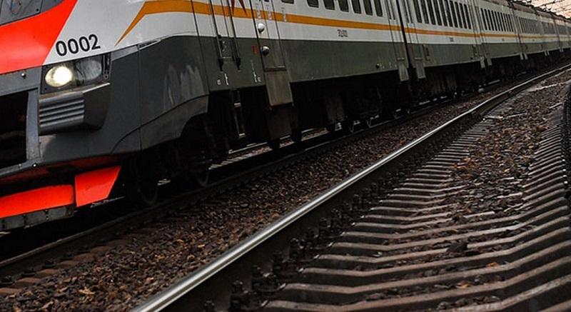 В Тамбовской области грузовой поезд насмерть сбил пенсионерку, шедшую в гости