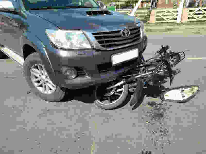 В Тамбовской области иномарка сбила мопедиста: он в больнице