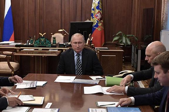 Владимир Путин обеспокоен тем, как медленно растут доходы россиян