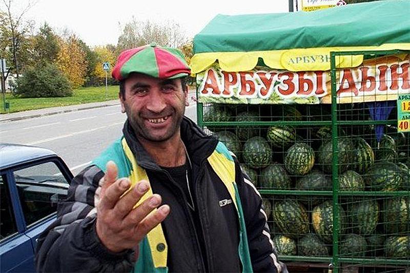 Житель Рассказова обвиняется в даче взятки и незаконном привлечении иностранных работников