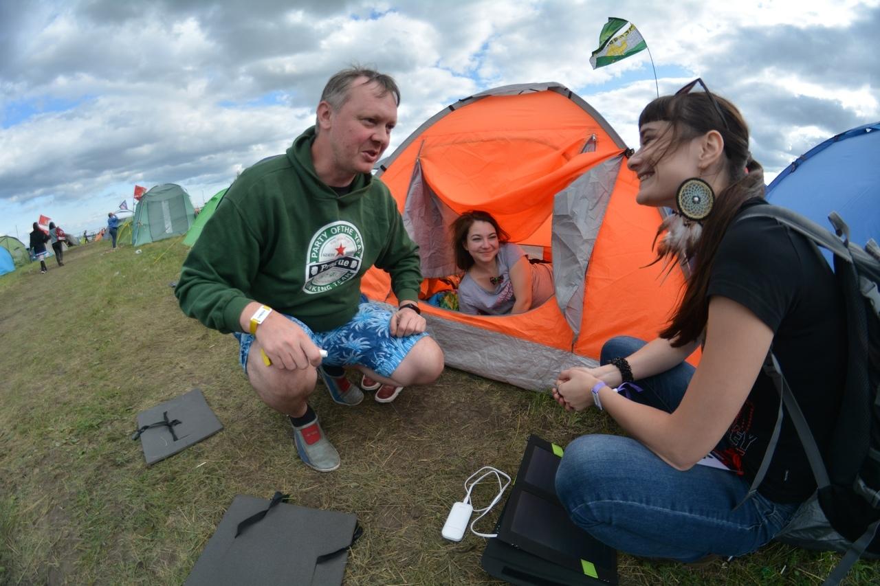 Жители палаточного лагеря фестиваля: Мы - большая чернозёмная экосистема
