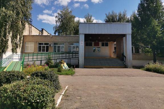 Родители учеников пожаловались на отсутствие учителей в Тамбовском районе