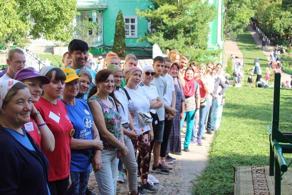 Тамбовчане помогли благоустроить территорию Псково-Печерского Свято-Успенского монастыря