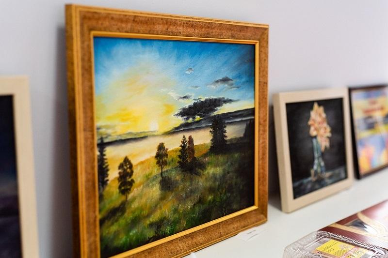 """В Тамбове открылась выставка живописи журналиста, """"радийщика"""" и рекламщика"""
