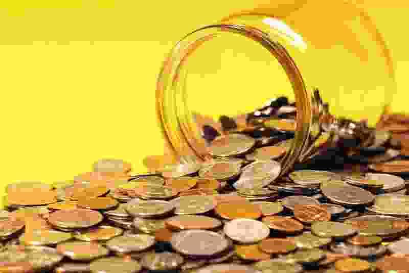 В Тамбовской области наёмный работник украл из сейфа у пенсионерки полтора млн рублей
