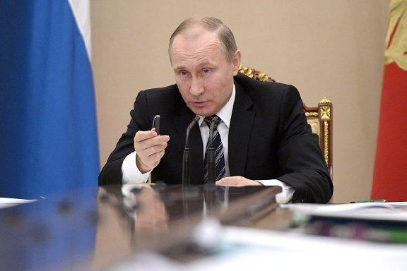 Владимир Путин поручил до 1 октября установить нормативы минимальных окладов медиков