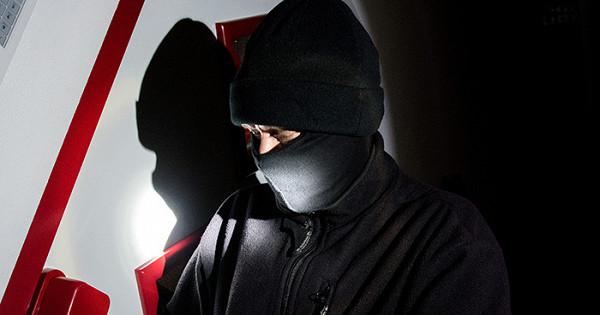 «Чудеса криминалистики». Цифровые технологии помогли СКраспознать преступника вмаске?