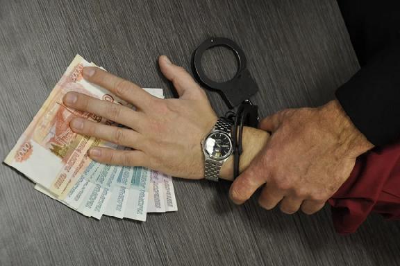 Директор строительной фирмы в Тамбове пытался дать взятку сотруднику МЧС