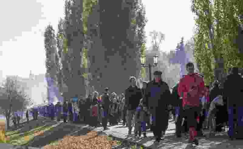 На Покровской ярмарке в Тамбове преступная группа из Воронежа в толпе пыталась красть деньги из карманов