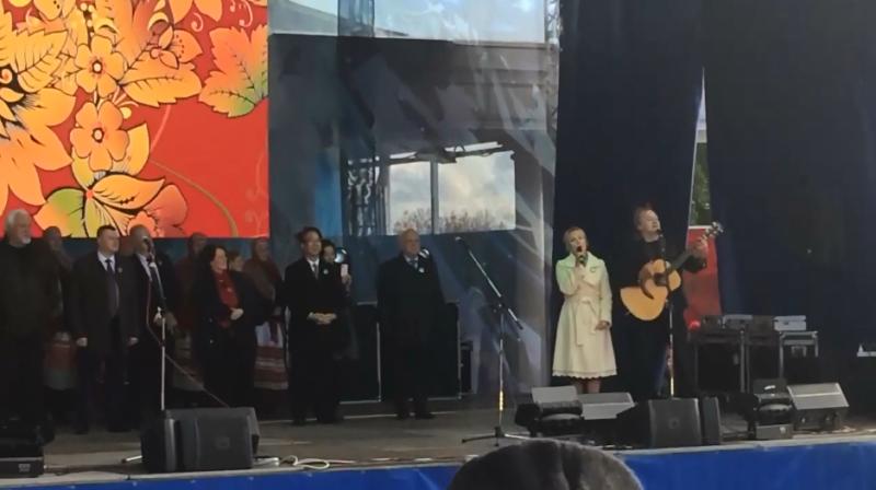Наталия Макаревич на Покровской ярмарке спела песню Олега Митяева (видео)