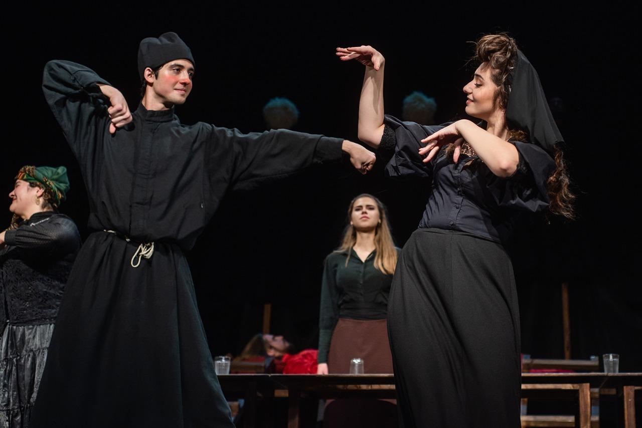 """Студенты """"Щуки"""" на фестивале """"Виват,театр!"""" сорвали овации зала"""