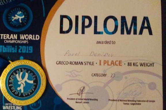 Тамбовчанин стал чемпионом мира по греко-римской борьбе среди ветеранов