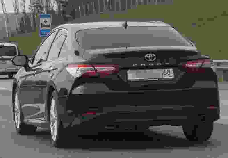 В Cети обсуждают дерзкое поведение водителя иномарки на балансе администрации области
