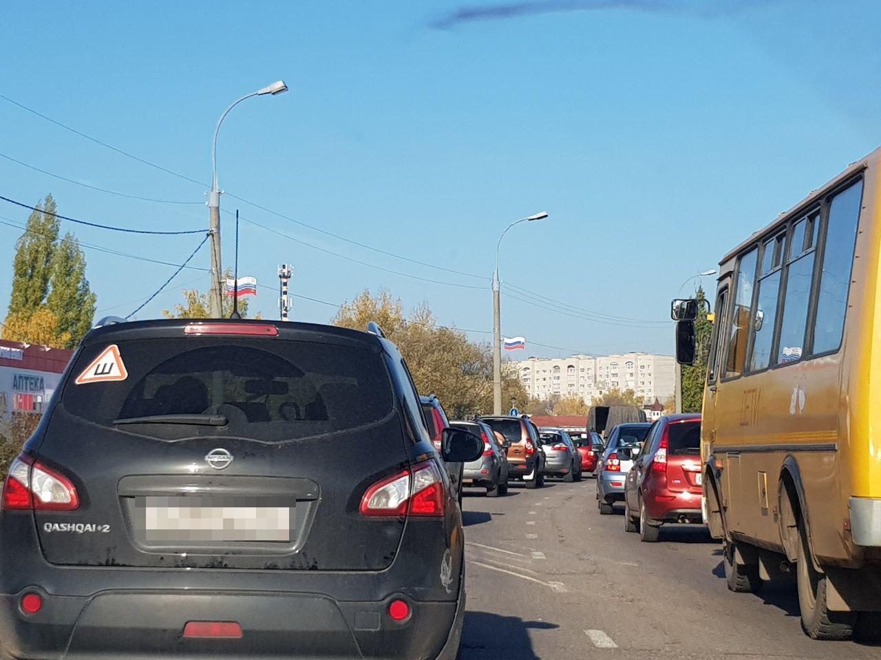 В Тамбов приехали представители Фонда содействия реформированию ЖКХ: с самого утра образовалась получасовая пробка