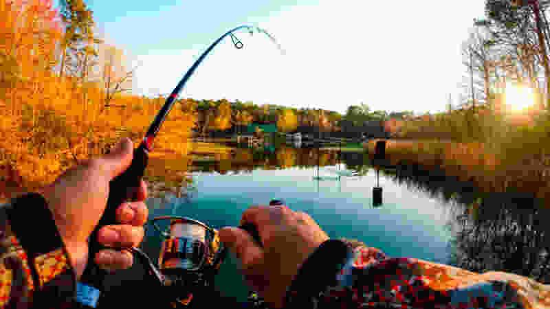 В Тамбовской области у рыбака случился приступ эпилепсии, он упал в воду и утонул