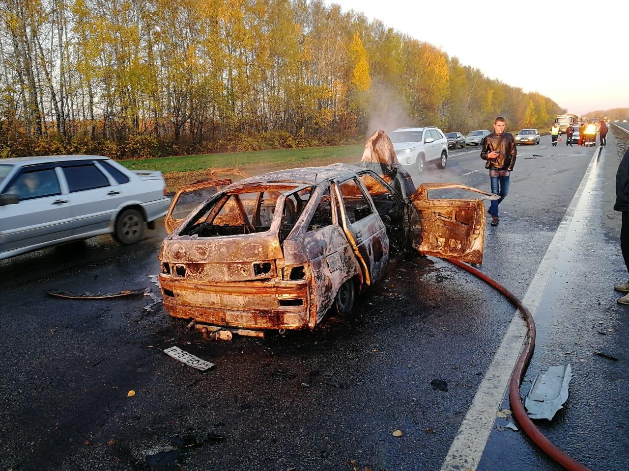 В Тамбовском районе во время ДТП заживо сгорел человек и ещё трое госпитализированы