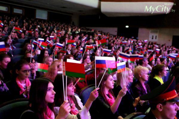 Знания тамбовских школьников по русскому языку и литературе оценят на международной олимпиаде