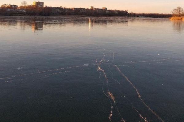 Специалисты предупреждают: толщина льда в Тамбове небезопасна для горожан