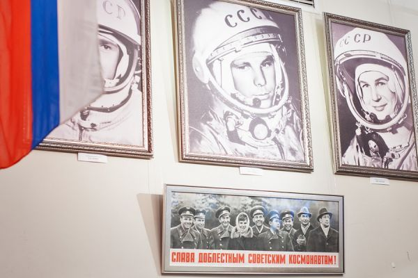 """Тамбовчане изучили """"космические орбиты"""" на тематической выставке"""