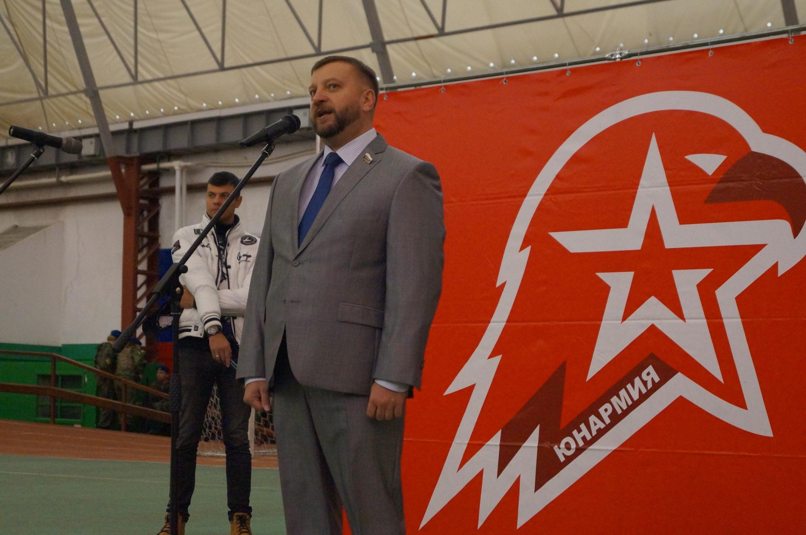 В Тамбове сотни школьников стали юнармейцами