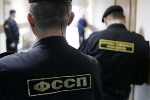 В Тамбове в ходе рейда приставы арестовали за долги люстры и светильники