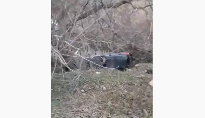 В Тамбове в районе Ласков водитель за рулём иномарки уснул и на повороте улетел в кювет