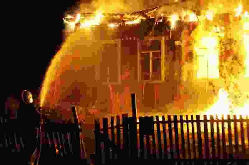В Тамбовской области во время пожара погибли супружеская пара и их гостья