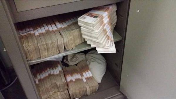 В Уваровском районе рабочий украл из дома наемщицы полтора миллиона рублей