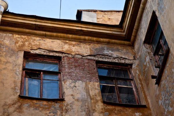 Ветхие дома предлагают ремонтировать за счет граждан