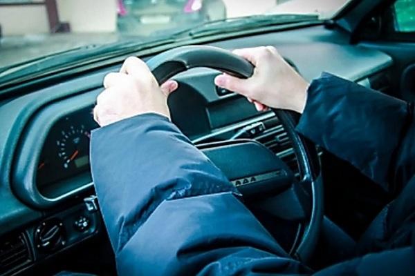 Житель Мордовского района угнал чужой автомобиль со двора, чтобы покататься