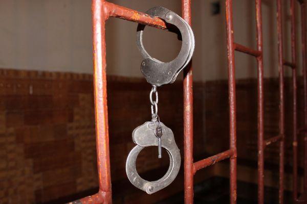 Жительница Мичуринска, чуть не зарезавшая пенсионера, предстанет перед судом