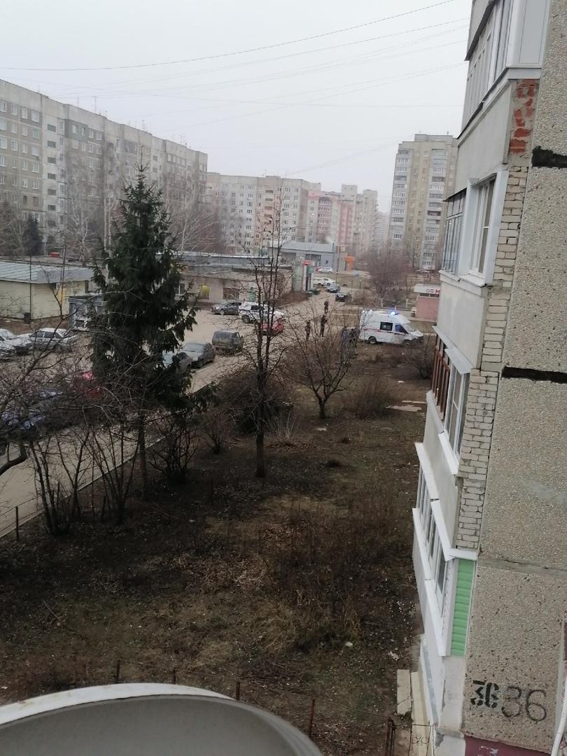 ЧП на севере Тамбова: с балкона упала женщина