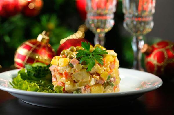 Эксперты ВОЗ дали рекомендации по хранению новогодних блюд