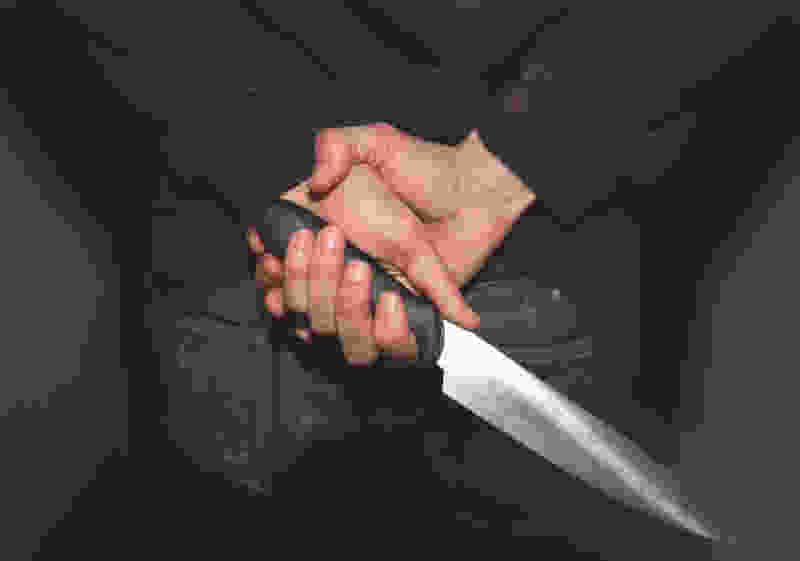 В Тамбовской области мужчина, который воткнул нож в шею двоюродному брату, получил 8 лет колонии