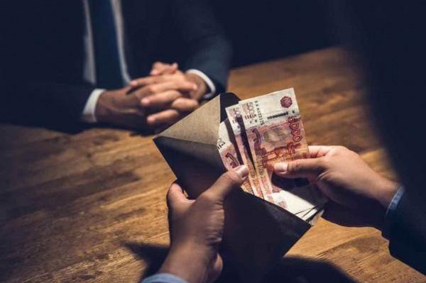Бывший начальник районного УФССП предстанет перед судом за взятку