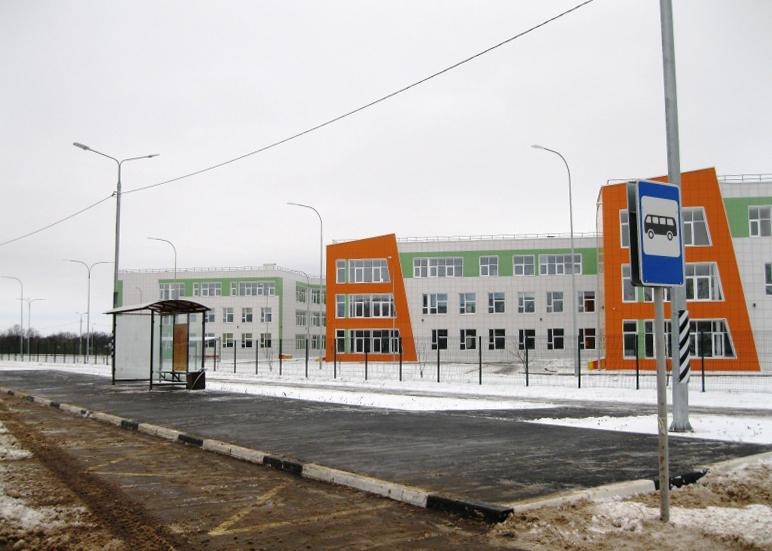 СМИ: инновационная школа в Мичуринске начала работу без официального открытия, а местных журналистов с охраной выпроводили из здания