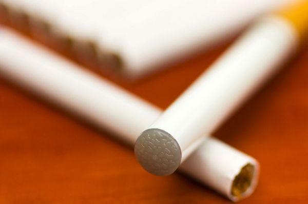 Совфед внес в Госдуму поправки о запрете продажи никотиносодержащих смесей