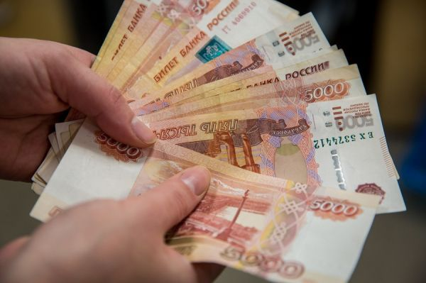 В Тамбове администратор магазина украл из кассы 245 тысяч рублей