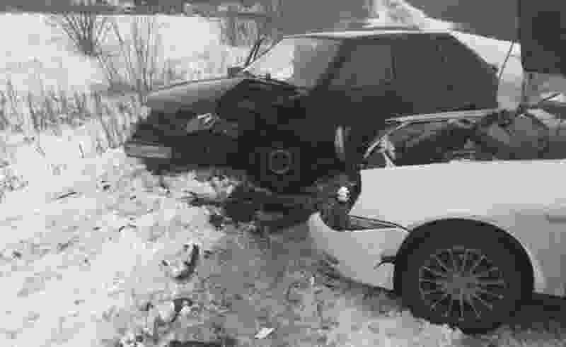 В Тамбовской области столкнулись две легковушки: пассажир в больнице