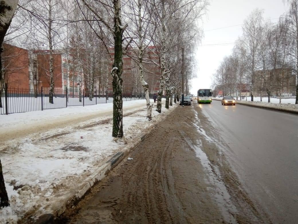 За сутки дорожники с улиц Тамбова вывезли 2500 кубометров снега