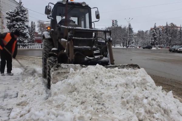 За выходные в Тамбове убрали почти три тысячи кубометров снега