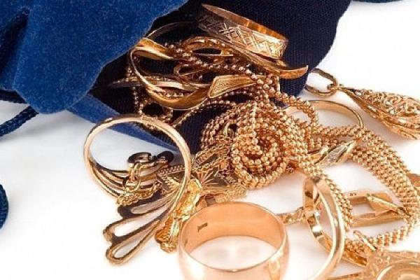 19-летняя тамбовчанка украла у подруги золото на 200 тысяч рублей
